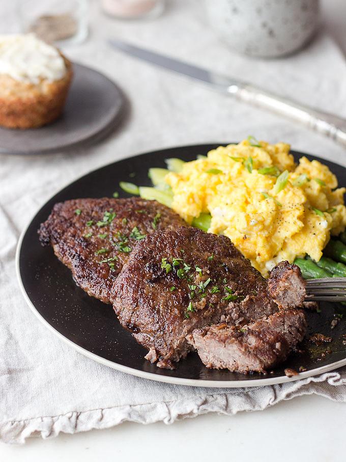 cube steak scrambled eggs
